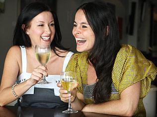 Il vino bianco rovina il lavoro del vostro dentista?