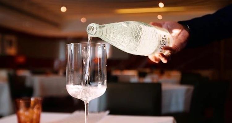Come tutti siamo finiti a parlare di acqua nel vino