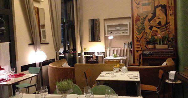 Aromando Bistrot a Milano, assaggi con scenario retrò