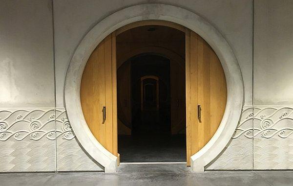 Chateau d'Alesme: draghi, tao e merlot, un'azienda bordolese tra occidente e oriente