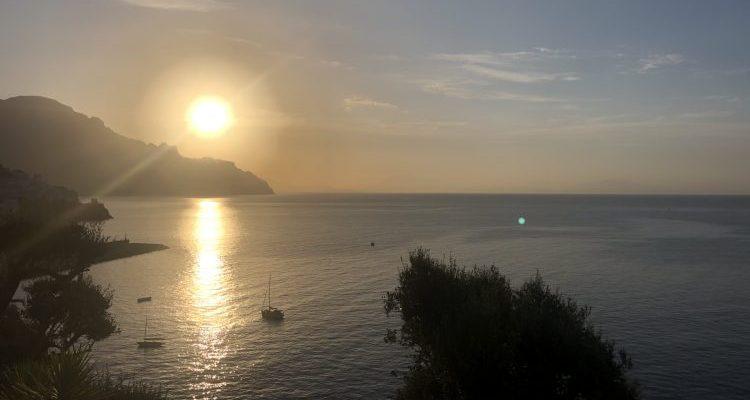 Glicine al Santa Caterina di Amalfi: a cena guardando Tenet dal vivo