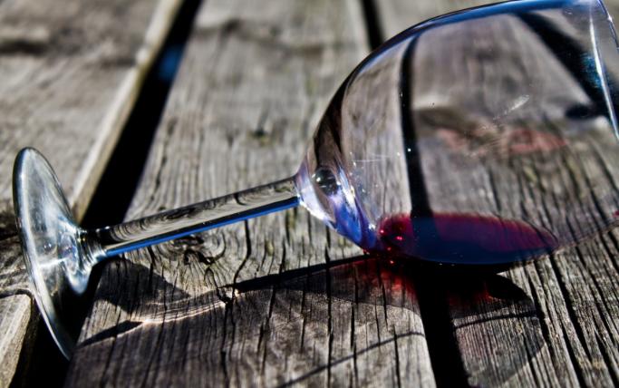 Quasi un Manifesto: parlare di vino o parlare <em>col</em> vino?