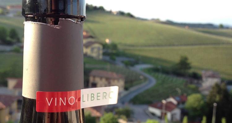 """L'Antitrust multa Eataly: il """"vino libero"""" non è poi così libero da solfiti"""