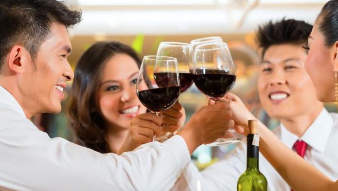 Documentata ricognizione dei consumi di vino nel mondo (con numeri). Partendo da casa mia
