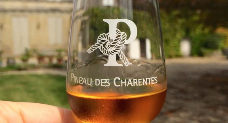 Chiamami Pineau des Charentes, sarò il tuo Porto