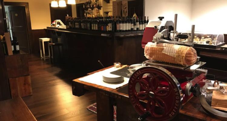 """Il lato compagnone dei vini di Valtellina: La Mossa di """"La Perla"""" abbinato al menù di Trippi"""