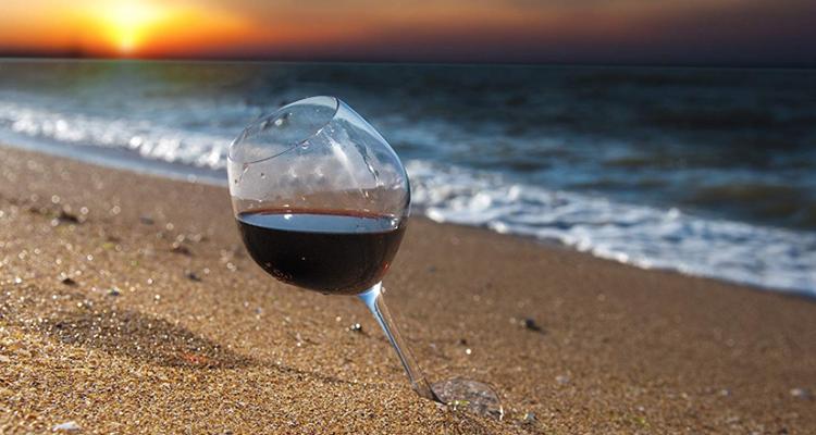 Un'estate a Rostock bevendo vino rosso