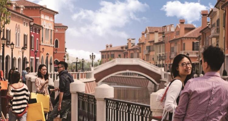 Quattro cinesi incazzati a Firenze aggrediscono un enotecario. Altro che scontrino pazzo