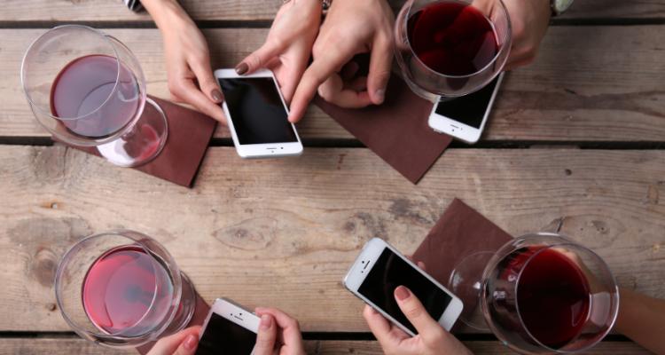 I wine influencer spiegati bene (e la bolla prossima ventura)