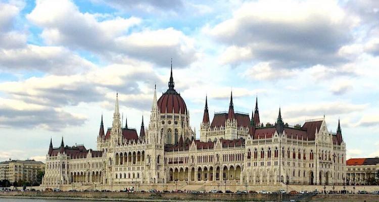 Budapest, piccola guida per innamorarsi della città