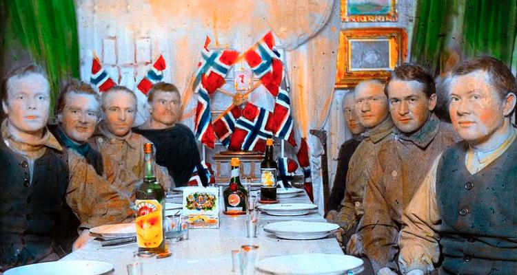 Drink like a Norwegian. Nel Grande Nord si beve aquavit, e tutto quanto fa ubriacare