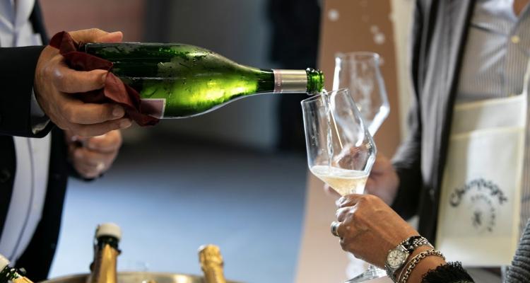 Modena Champagne Experience, ancora qualche bottiglia e poi basta