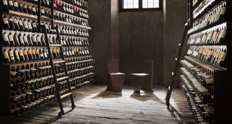 La bottiglia coricata è il mito da sfatare una volta per tutte, lo dice la scienza