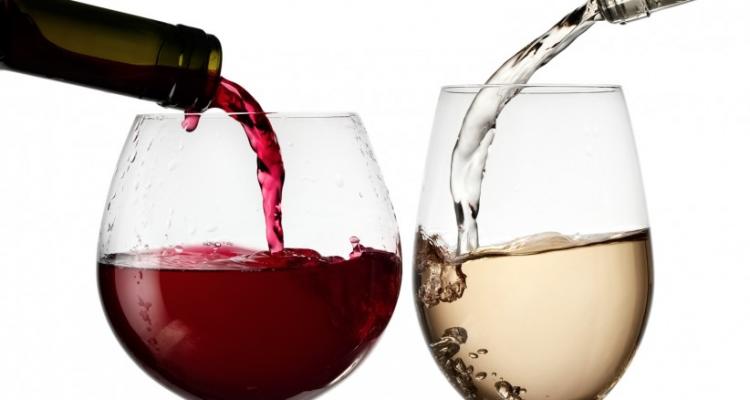 Vino rosso o bianco? Come si organizza una degustazione seriale