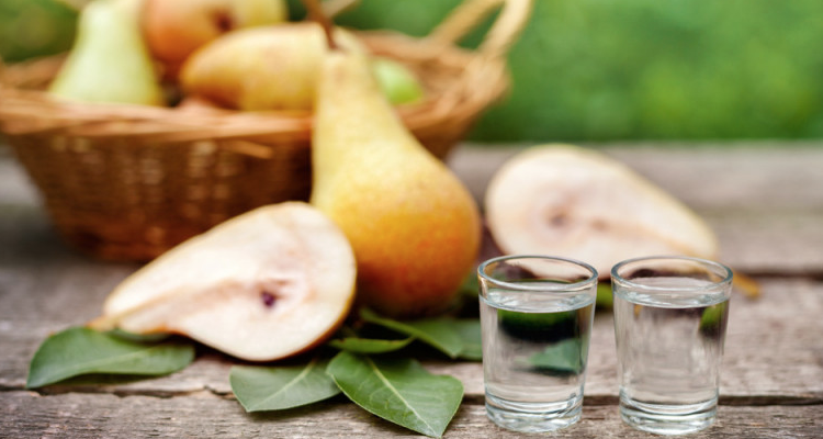 Frutta, erbe e ginepro in 12 distillati da perdere la testa