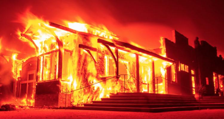 Il fuoco sta distruggendo le cantine in California