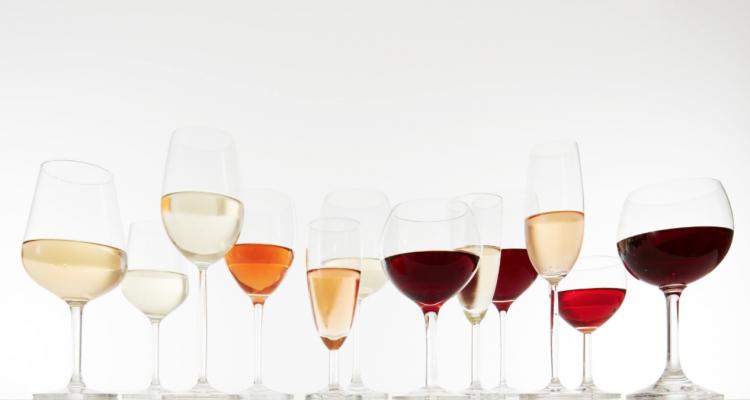 Tutte le calorie di superalcolici, vino e birra