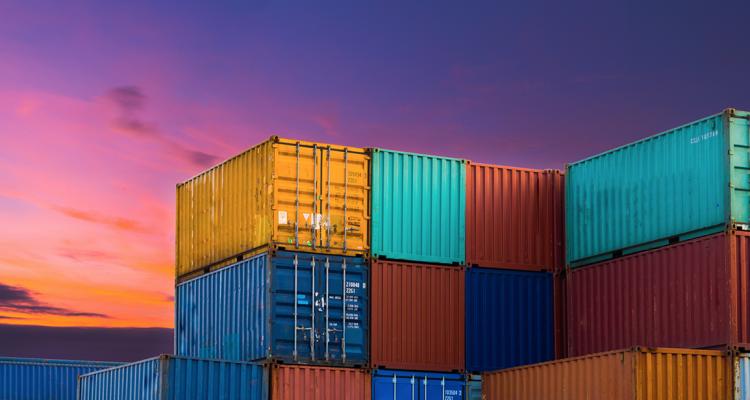 Le esportazioni sono in crisi per mancanza di container: scopriamo il perché