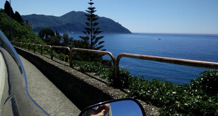 Cose da fare in Liguria quando è primavera. Tipo prendere lo scooter e andare per fiere