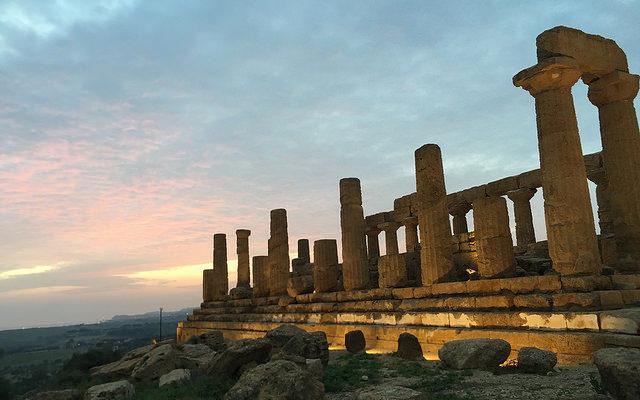 Sicilia En Primeur 2016: Etna Bianco e Rosso, a che punto è la stella del vino siculo