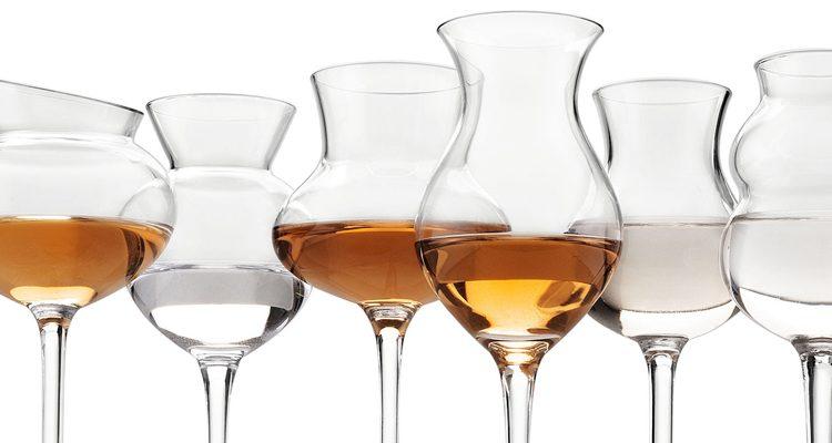 Qual è il bicchiere giusto per ogni distillato?