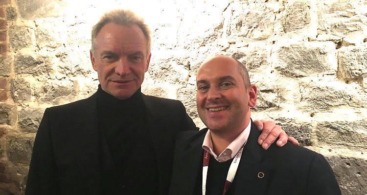 """""""Hi, I'm Andrea Gori"""" – """"Hi, I'm Sting"""". Cosa ci faceva davvero a Montalcino la rockstar dei Police"""