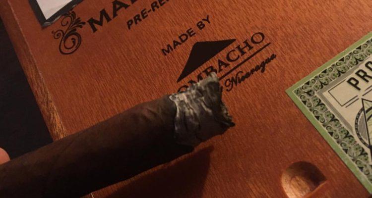 Mombacho Liga Maestro, il sigaro poco adatto ai principianti (ma va bene con lo Champagne)